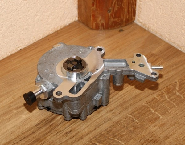Unterdruckpumpe Bremsanlage PIERBURG 7.24807.17.0 EAN: 4028977505089